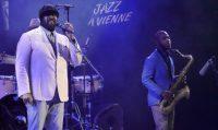 Jazz à Vienne-Greg Porter, le colosse à la voix de velours, mi-miel, mi-soul